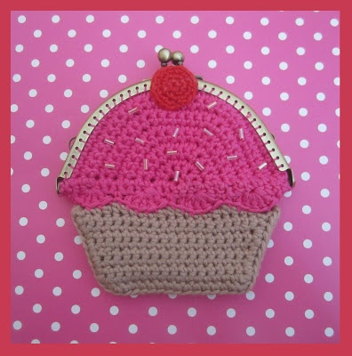 Crochet cup cake coin purse