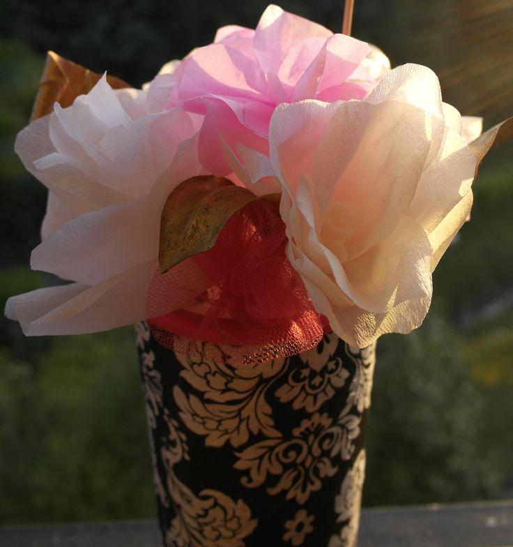Rosas de papel de seda y base decoupage. San Valentín! Flores de papel/paper flowers