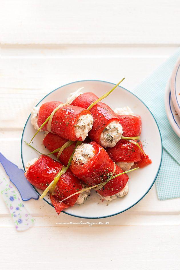 Involtini di peperoni al tonno - ricetta Involtini di peperoni e tonno
