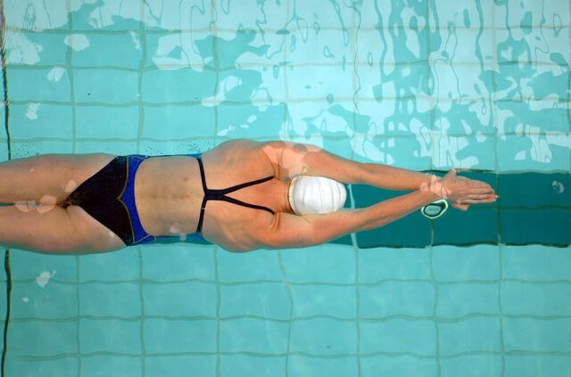 Here is your ultimate 6-step guide to preventing swimmer's shoulder this season.
