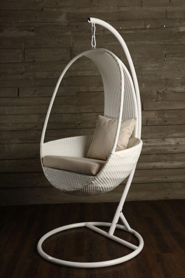 Подвесное дизайнерское кресло для отдыха. Кафе, веранда, гостиная, спальня, балкон.