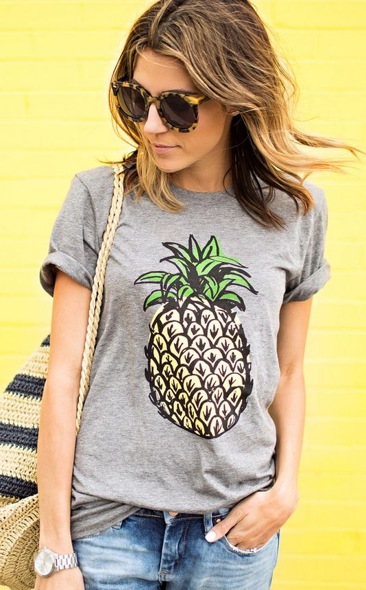 Cute pineapple tee!