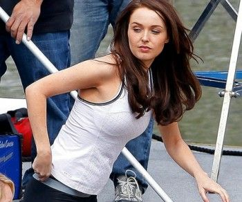 camilla luddington E3 TOMB RAIDER 2013 PHOTOS   Tomb Raider saldrá para Xbox 360, PlayStation 3 y PC el próximo 5 de ...
