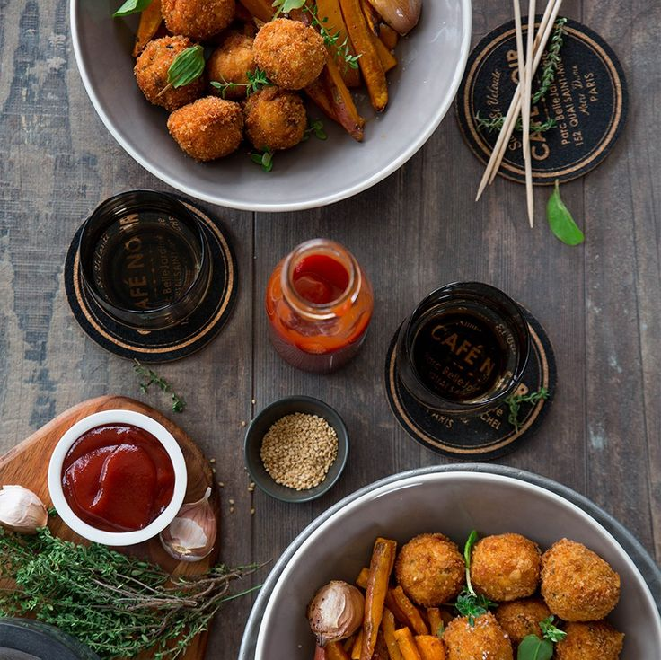 Ou l'histoire de boulettes moelleuses, bien assaisonnées, qui se déclinent à l'infini. Servies avec quelques frites et un ketchup de qualité, on frôle les sommets.