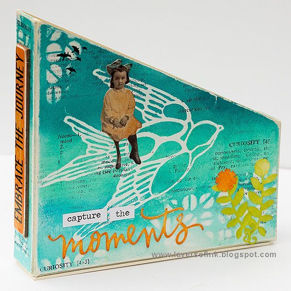 Layers of ink - Mini Magazine Holder Tutorial by Anna-Karin Evaldsson. Made with Eileen Hull Sizzix Book Club dies, Ranger Paints by Dina Wakley and stencils by StencilGirl.