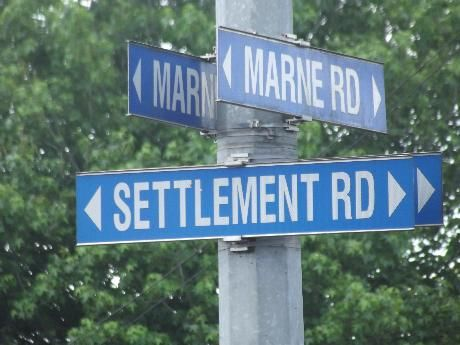When Auckland town was established in 1840, plans immediately began to build a road extending south of the settlement. By 1843 construction had started and it soon became known as the Great South Road. By 1855 it had reached Drury.