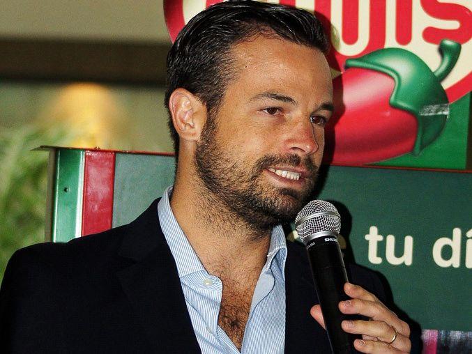 ¡CHIVAS A GANAR!: RAFAEL PUENTE LLEGA A CHIVAS>> El ex comentarista de televisión llega a la directiva del Rebaño. Será la mano derecha de Herrero en el equipo. Rafael Puente del Río buscará aportar al equipo rojiblanco.