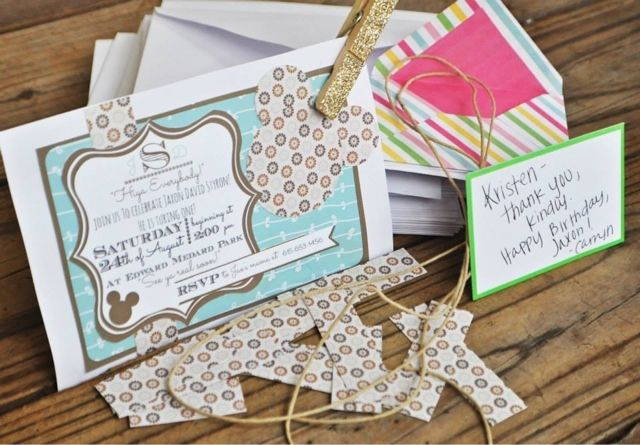 Carryn of all Trades: Vintage Mickey Mouse Affair: Invitations and Favor Bags with Table Bunting