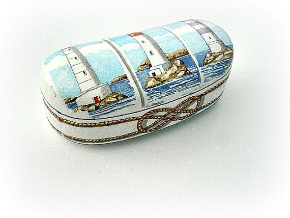 Navy blue clamshell case Summer sunglasses case by VarmaLumo, €23.00