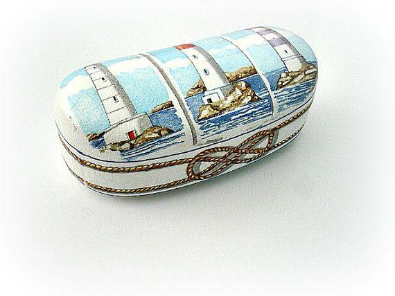 Navy blue clamshell case Summer sunglasses case by VarmaLumo, €23.00