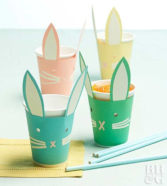 Dress up ordinary paper cups to make the cutest Easter brunch accessories. Use our free template to piece together perfectly shaped ears, noses, and whiskers for these adorable paper pals. #easter #easterbrunch #eastercrafts #easterbunny