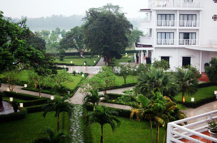 La Résidence Hôtel, Hue - a boutiqueriverside hotel and spa built in and around the former officialresidence of the French governor in the 1930's. The Art Deco building has been lovingly restored inside and out, retaining the colonial fabric of the former residence.