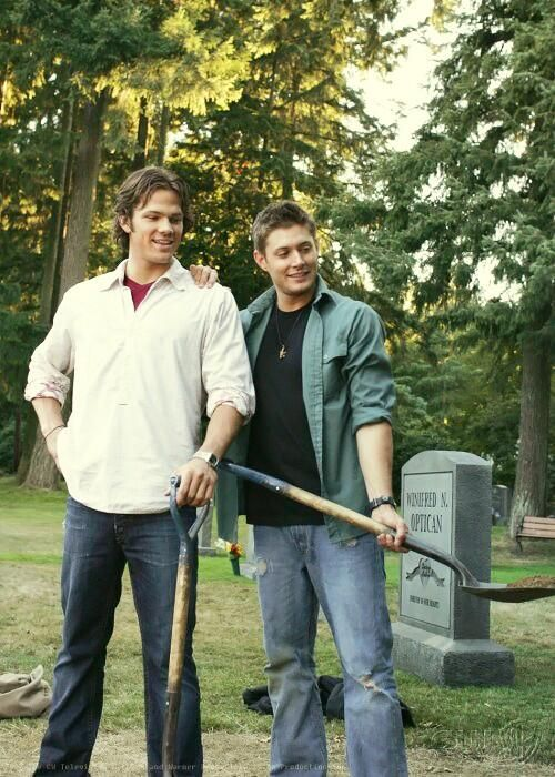 #Supernatural >>> Not long after this, in the gag reel, Jared ripped his pants. Lol!! :)