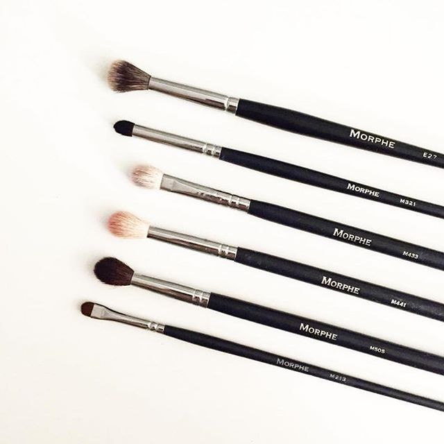 The more Blending Brushes the better @haylo_beauty sharing her faves for an effortlessly flawless eye look! #morphebrushes
