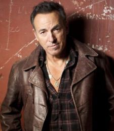 "Bruce Springsteen irá receber a ""Medalha Presidencial da Liberdade"" de Barack Obama #Apresentadora, #Atriz, #Cantor, #EllenDegeneres, #Flashback, #M, #Música, #Noticias, #Presidente, #Programa, #Rock, #TomHanks http://popzone.tv/2016/11/bruce-springsteen-ira-receber-a-medalha-presidencial-da-liberdade-de-barack-obama.html"