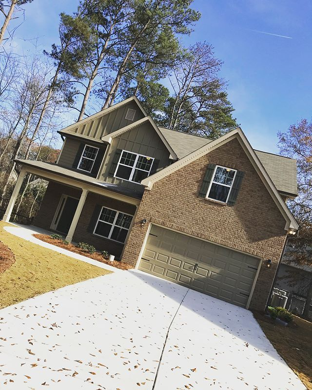 Now showing Lithia Springs! #NewConstruction #HomeForTheHolidays #RealtorLife #WeekendShowing #localrealtors - posted by Richard Isabu https://www.instagram.com/isabu_and_co - See more Real Estate photos from Local Realtors at https://LocalRealtors.com