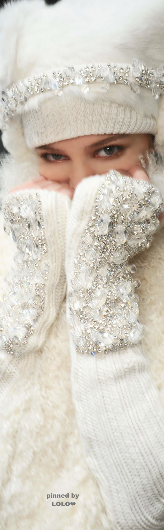 Snow Chic,Winter,Ski,-super chic! Follow LuxHERy on Pinterest for more.