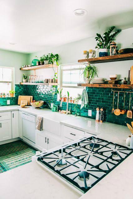 Wandtegels keuken voorbeelden: groene rechthoekige tegels