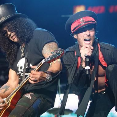 Music: Velvet Revolver pay tribute to Scott Weiland in Facebook post
