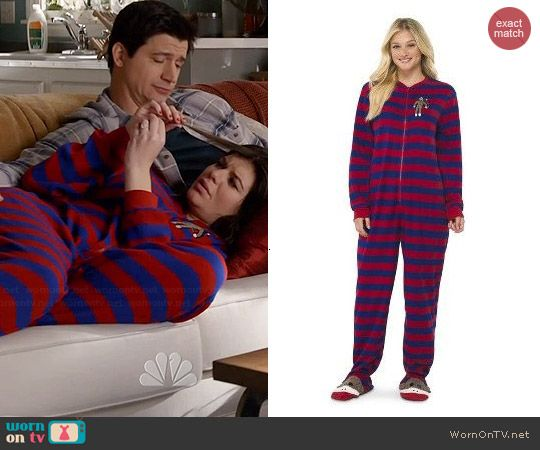 Annie's striped sock monkey onesie on Marry Me.  Outfit Details: http://wornontv.net/44800/ #MarryMe