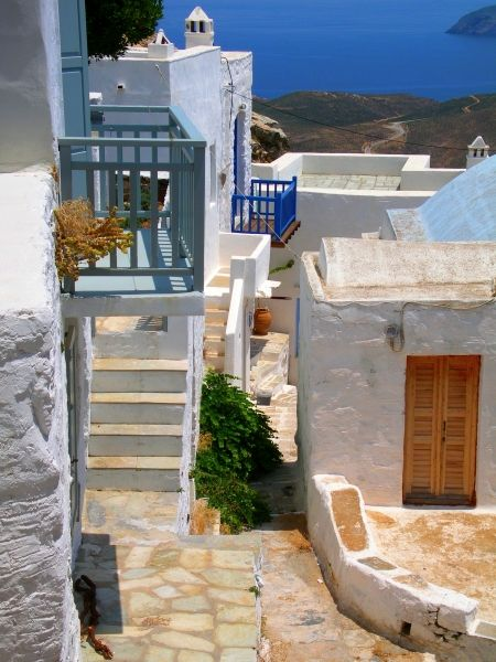 Spot in Chora, Serifos island, Greece. - Selected by www.oiamansion.com