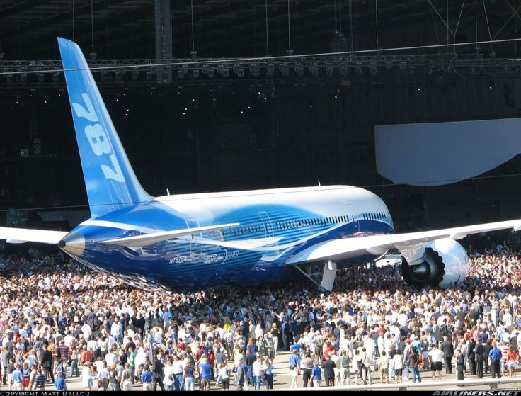 Boeing Dreamliner 787-800 - Everett - Snohomish County/Paine field (PAE). The first 787 Dreamliner at the rollout ceremony.