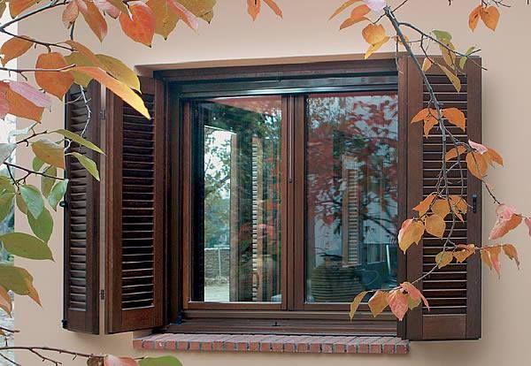 Autumn is here... Beautiful wooden window!