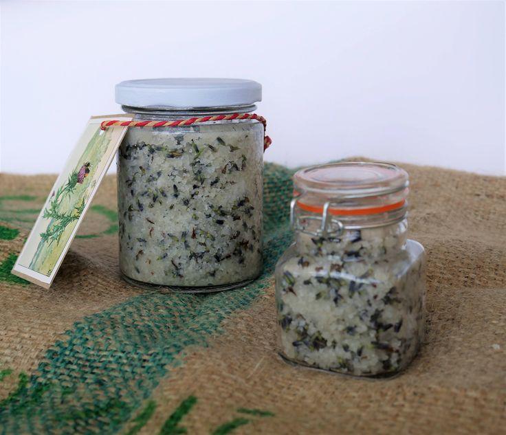 Keltische zeezout scrub met kokosolie, gedroogde lavendel en essentiele lavendel olie door poesenflip op Etsy
