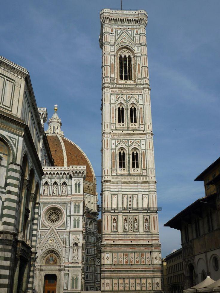 GIOTTO, campanile della Chiesa di Santa Maria del Fiore dal 1334-37, poi Andrea Pisano gli successe