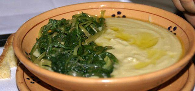Enogastronomia del Salento: fave e cicorine selvatiche condite con un filo d'olio extravergine d'oliva