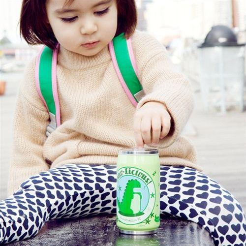 http://www.applepie.eu/shop/bicchierini-e-bottigliette/thermos-cozy-can-di-beatrix-ny-dinosauri/