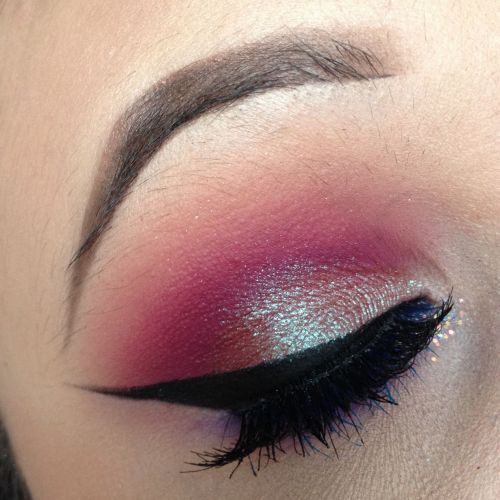 eye makeup today using urban decays electric palette, and the moon dust... | Makeupsocial