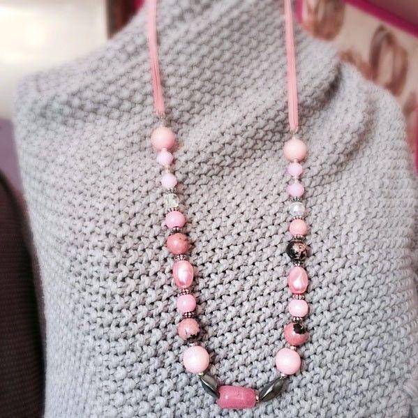 Een persoonlijke favoriet uit mijn Etsy shop https://www.etsy.com/nl/listing/520727227/necklace-gemstone-suede-silver-wood