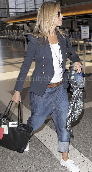 Seen on Celebrity Style Guide: Jennifer Aniston arrived at ...