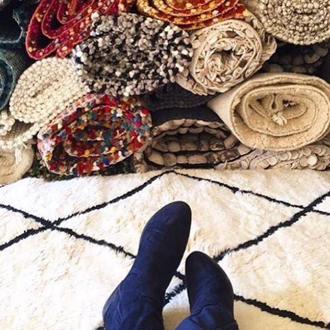 Huomenna paluu arkeen - Sukhimatoilla se tarkoittaa kymmeniä erilaisia mattomalleha neljästä eri maasta. #sukhimatot #villamatto #sisustus #matto