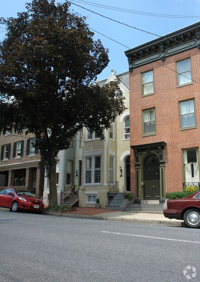 109 W 3rd St Frederick Md 21701 Als Apartments In 2019 Places To Visit Street View