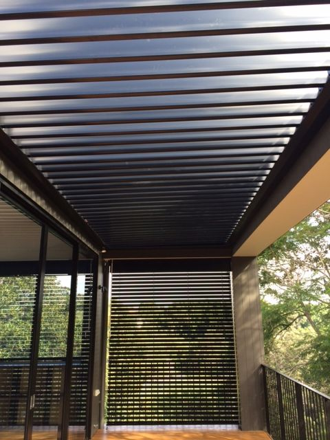 Opening louvre roof & external venetian blinds (Sydney Project)