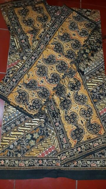 Batik Tulis Gold #batik #batiktulis #batikseratnanas #batikindonesia #batiknusantara #batikkraton #batiksolo #batikasli #batikmurah #batikcombinasi #batikcap #batiklawasan #batikklasik