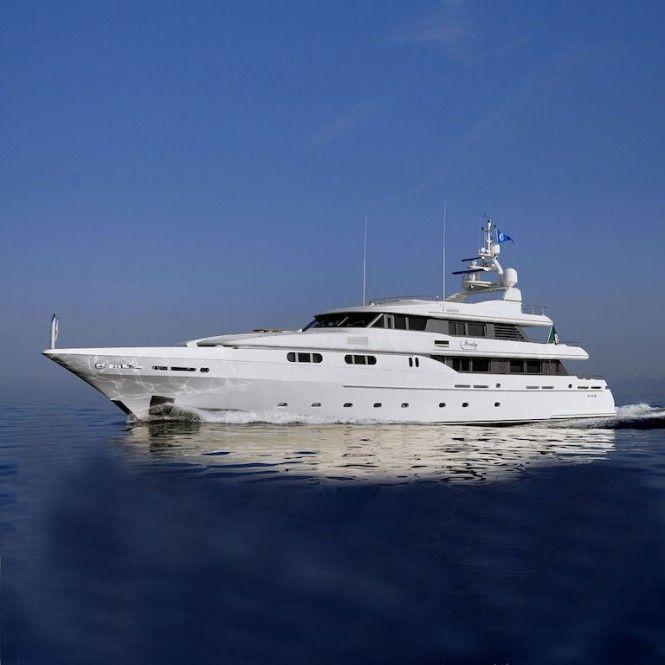 Charter through the Mediterranean aboard luxury yacht Ferdy