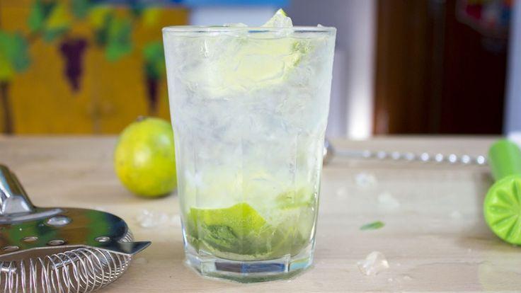 Basito cocktail, mojito al basilico, cocktail con rum bianco basilico e lime