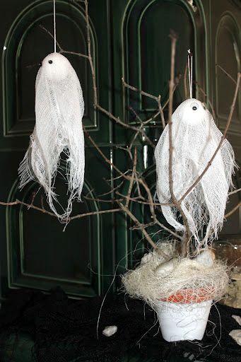 Kreatív ötletek Halloweenra: HALLOWEEN SZELLEMEK  http://www.hobbycenter.hu/Unnepek/halloween-szellemdisz.html