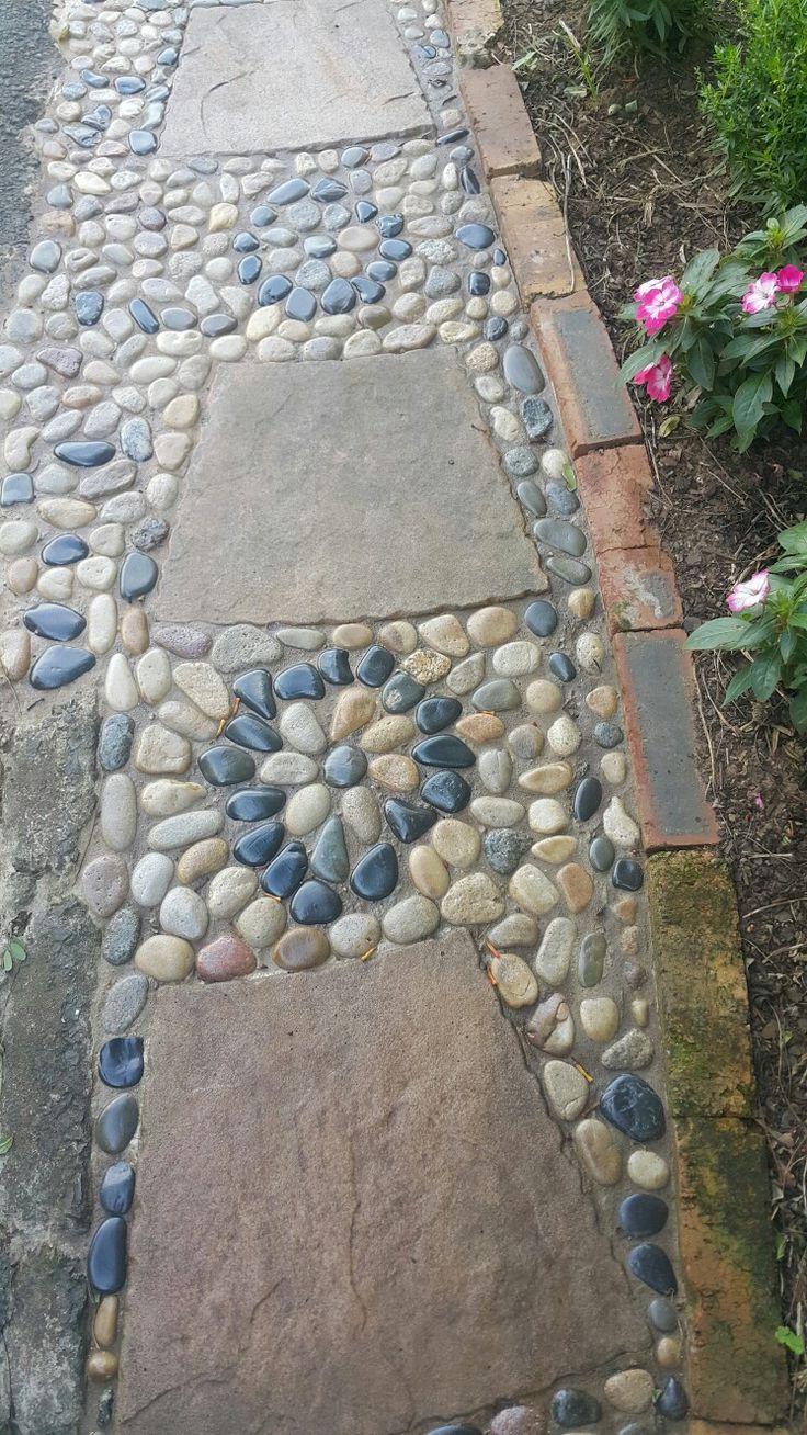 1128 best mosaic u0026 garden art images on pinterest pebble mosaic
