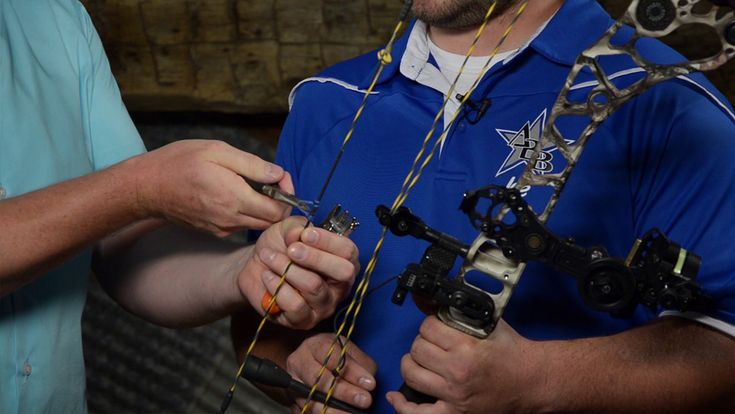 This informative video shows how to fix your peep sight rotation on your bow. #archery #hunting https://www.bowhunting.com/video/fixing-peep-sight-rotation/