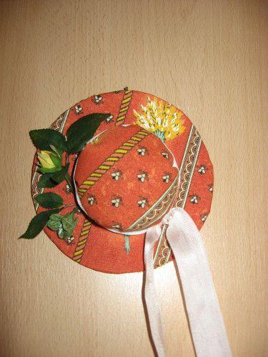 Chapeau de Lavande en tissu provençal - paminatelier.com   -  les tutos de Pamina
