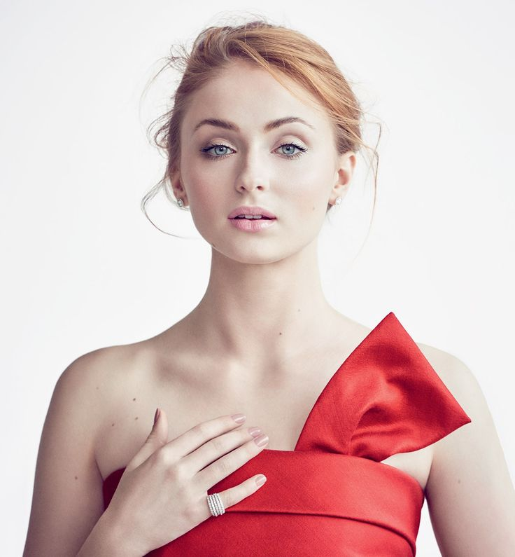 Sophie Turner Vanity Fair 2016 - Photograph by Matthew Brookes.