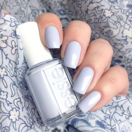 essie Winter 2015 • Neuschnee – Nails