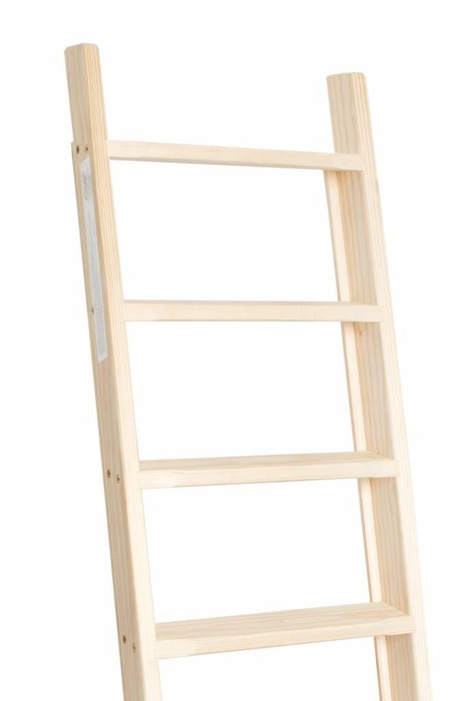 Degelijke en stabiel houten zoldertrap. Gemaakt van grenenhout. Wordt gebruikt voor de oploop naar zolders maar ook bij boekenkasten en stapelbedden/hoogslapers