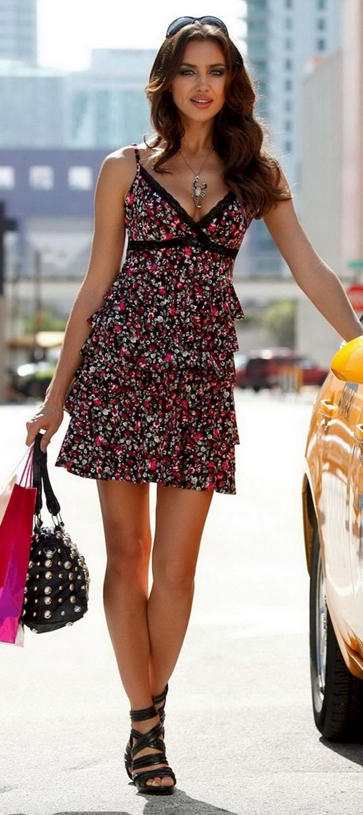 Wonderful Irina Shayk Street Styles (116 Photos) https://www.fashionvevo.com/irina-shayk/
