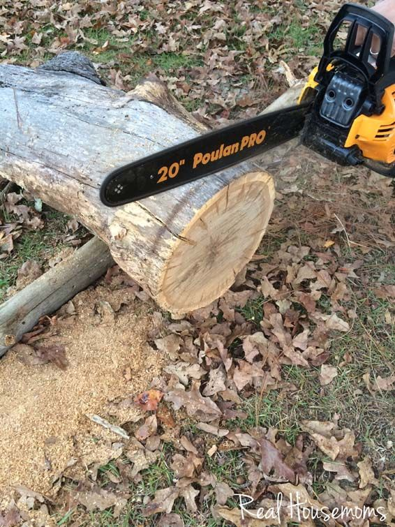 NOTICE: SAFETY... THE PIPE USED TO LIFT THE LOG OFF THE GROUND WHILR CUTTING IT. DIY Wood Slice Cake Serving Pedestal | Real Housemoms