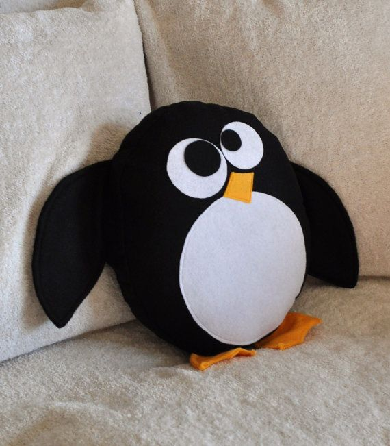 Penguin pillow.  Looks easy to make: Plush, Kids Ideas, Penguins, Sewing Ideas, Penguin Pillow, Pillows
